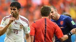 Los aficionados pitan a Diego Costa... y él reacciona