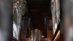 Hasta las iglesias rinden homenaje a David Bowie