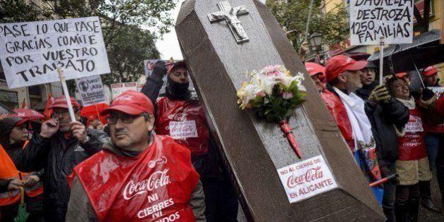 Miles de personas protestan en Madrid contra el ERE en