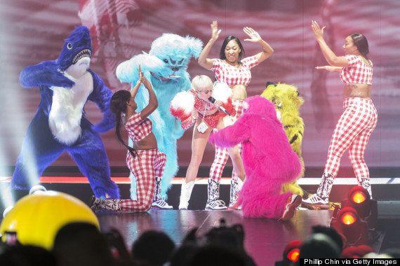 Así inició Miley Cyrus su gira mundial