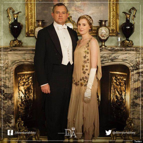 Los actores de 'Downton Abbey' se ríen del gazapo de la botella de