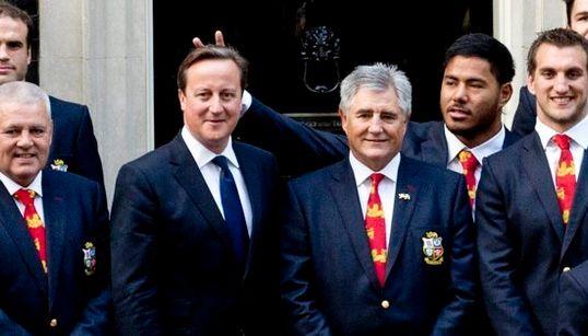 Pide perdón por hacerle ESTO a David Cameron