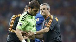 Casillas aguantó 13 minutos: se lesionó en un choque con