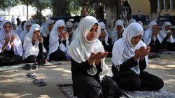 Rezos en las escuelas de Afganistán por Malala
