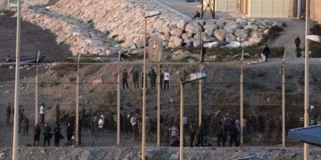 Imputados 16 guardias civiles por la tragedia de El Tarajal en