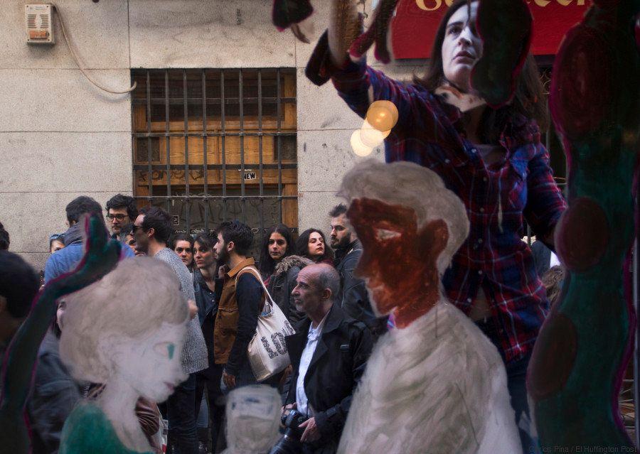 Malasaña pinta sus cierres con arte urbano... y se destrozan 24 horas