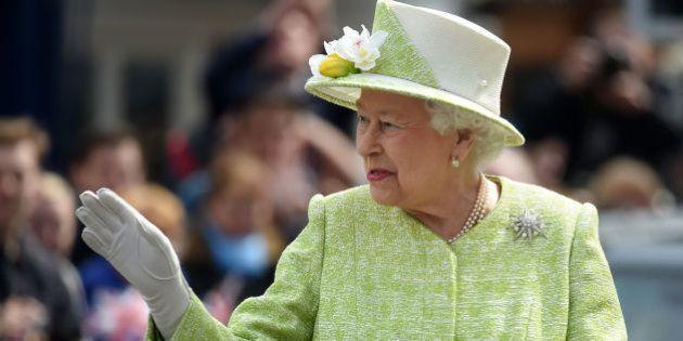Isabel II llama