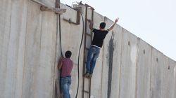 Así cruzan el muro los palestinos en Jerusalén