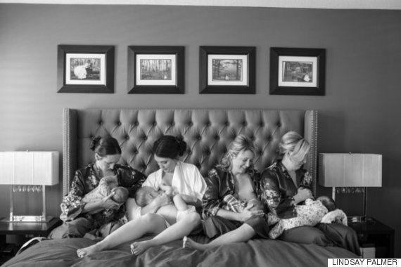 Una foto de boda diferente: novia y amigas amamantando a sus