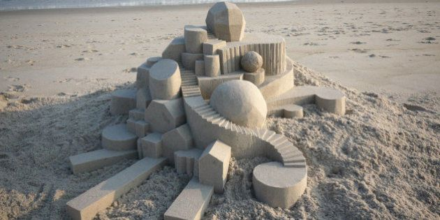 El artista de castillos de arena del que Escher se sentiría orgulloso
