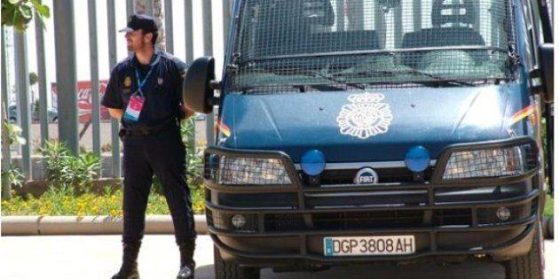 La Policía detiene a tres presuntos miembros de Al Qaeda con explosivos y listos para