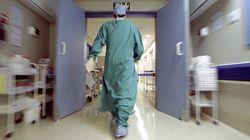 Los médicos se rebelan contra el Gobierno en defensa de la atención a los 'sin