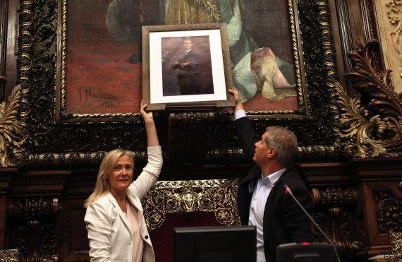 Polémica por la retirada del busto del rey Juan Carlos en el Ayuntamiento de