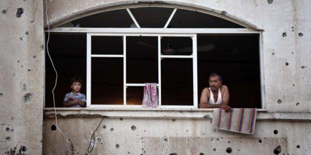 Israelíes y palestinos acuerdan prorrogar 24 horas más el alto el