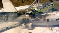 Un avión en llamas tras estrellarse en el aeropuerto de San