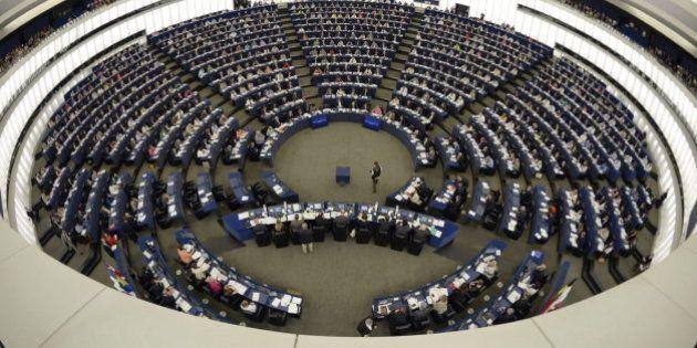 La Eurocámara rechaza un informe que defiende el derecho al