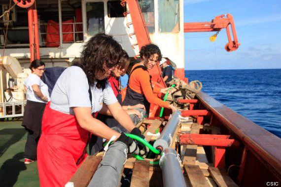 La Expedición Malaspina viaja a la deriva y sus jóvenes científicos caen por la