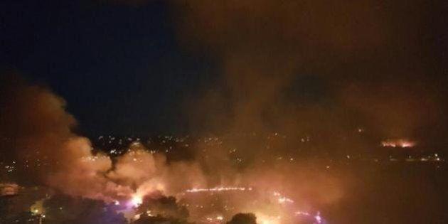El incendio de Benitatxell se extiende y obliga a desalojar a 1000