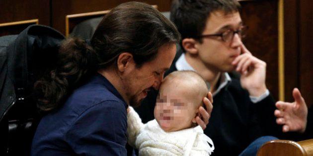 Pablo Iglesias con un bebé y otras fotazas que deja la primera sesión del