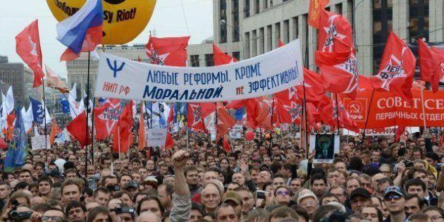 Miles de rusos piden en Moscú la dimisión del presidente, Vladimir