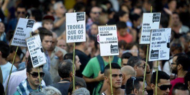 Más de 100.000 portugueses se manifiestan contra la austeridad, la subida de impuestos y la