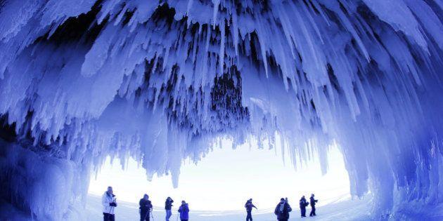 Lago superior de Wisconsin congelado: paisajes de hielo impresionantes