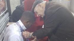 Nudo de corbata: tutorial de un señor mayor para un joven en pleno