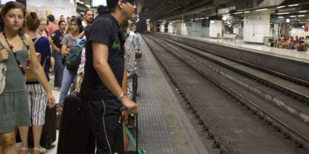 Huelga de trenes: Los sindicatos cifran el seguimiento en un 90%; Fomento, en un