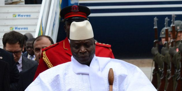 El presidente de Gambia promete