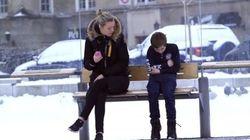 ¿Qué harías si ves a un niño muerto de frío esperando al autobús?