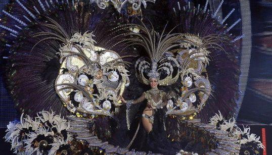 Plumas, dorados y brillos para ser la Reina del Carnaval