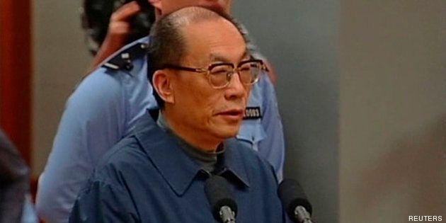 Condenado a cadena perpetua un exministro chino por