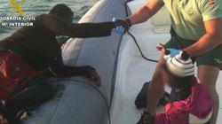 Rescatados 10 niños usados por inmigrantes para entrar en