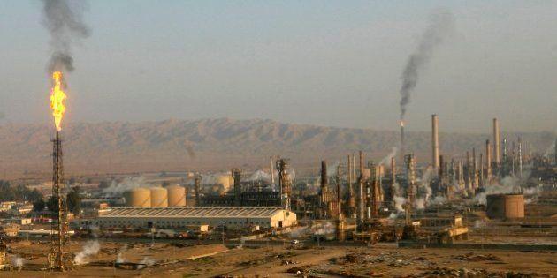 Los insurgentes iraquíes atacan la principal refinería del
