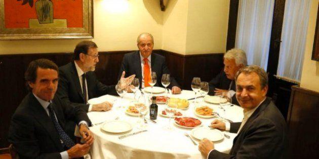 Rajoy, de cena con el rey Juan Carlos y los expresidentes del