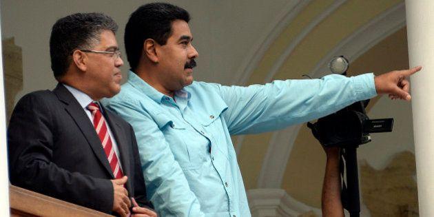 Maduro acusa a EEUU de impedirle sobrevolar Puerto