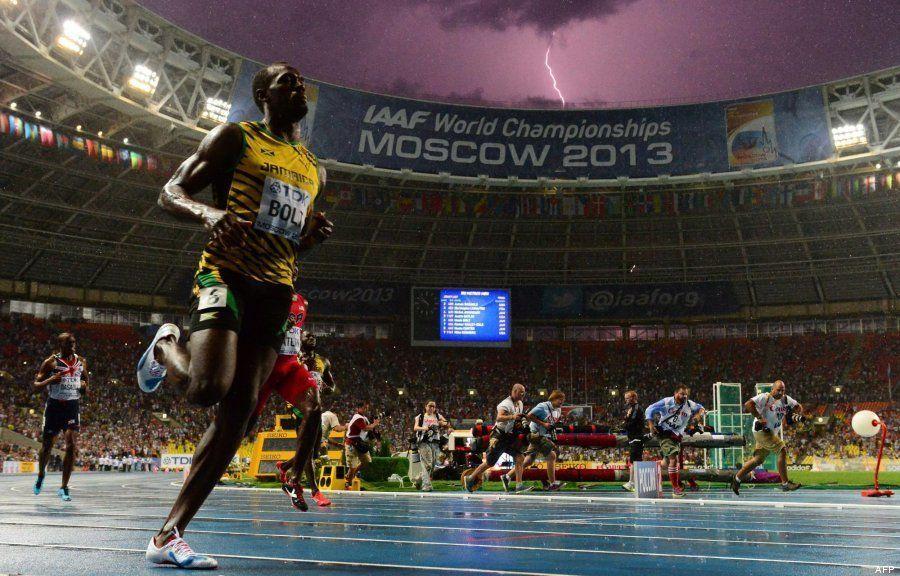 La increíble imagen de un rayo cayendo mientras Bolt gana la final de los 100