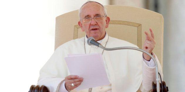 El papa pide a los ginecólogos que sean