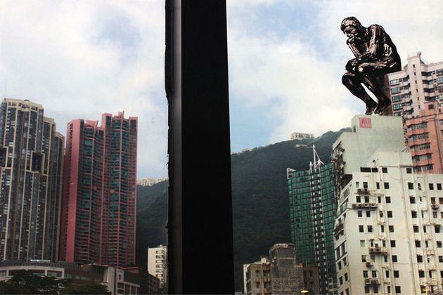 Pejac en Hong Kong y sus pequeñas muestras de arte