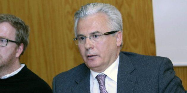 Garzón pide al Gobierno que equipare a las víctimas del franquismo con las del