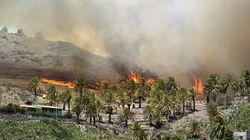 El fuego asedia las Islas