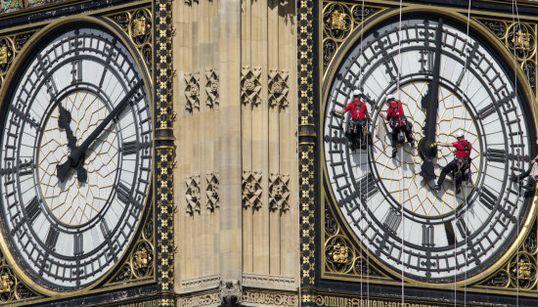 Así se limpia el Big Ben (FOTOS,