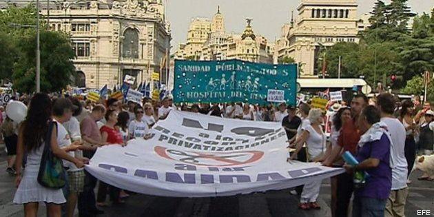 La 'Marea Blanca' vuelve a la calle en contra de la privatización de la sanidad en