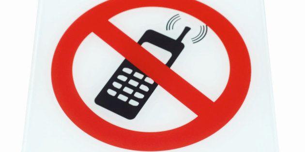 Ruz pide a los abogados los teléfonos móviles y las tabletas para evitar