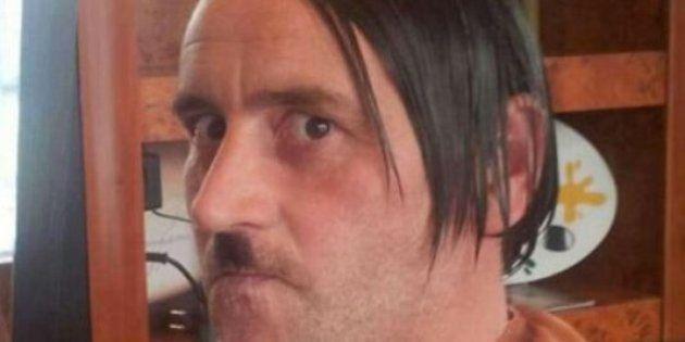 Lutz Bachmann, líder de Pegida, dimite por una foto suya disfrazado de