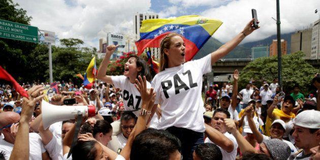 La oposición venezolana vuelve a echarse a las calles para pedir el revocatorio contra