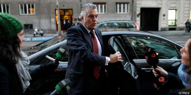 El juez bloquea dos nuevas cuentas en Bankia de Bárcenas y su mujer con más de 600.000