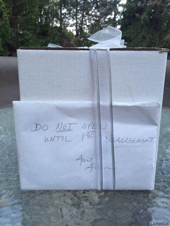 ¿Por qué esta pareja esperó nueve años para abrir un regalo de