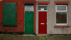 Puertas rojas para 'identificar' a los refugiados en Reino