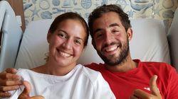 Los españoles rescatados del mar en Malasia abandonan a pie y sonrientes el